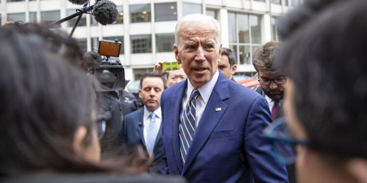Joe Biden plus près d'une candidature à la Maison Blanche, malgré la polémique