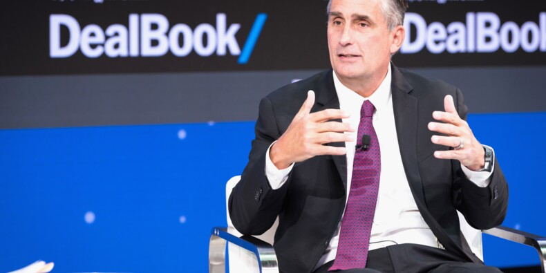 Possible plainte contre Intel après la vente d'actions par son PDG