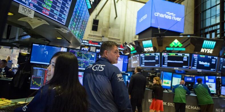 Wall Street, entre commerce et technologie, évolue en ordre dispersé