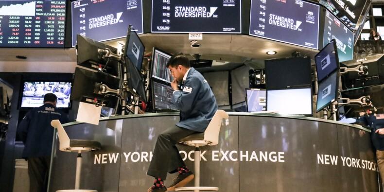 Wall Street termine une séance volatile sur une note négative