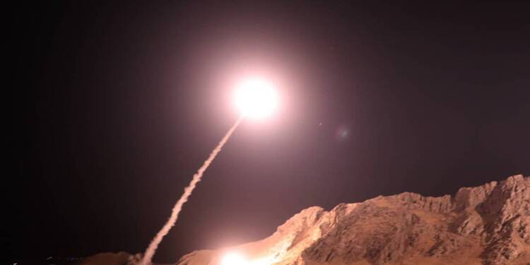"""""""Vengeance"""" iranienne en Syrie: drones et missiles visent des jihadistes"""