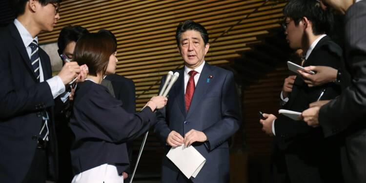 Japon: Abe de nouveau sur la sellette, un second scandale resurgit