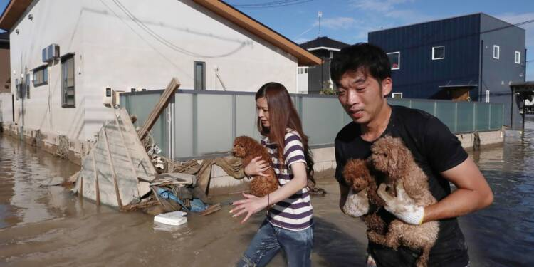 Intempéries au Japon : près de 60 morts et un difficile combat contre l'eau