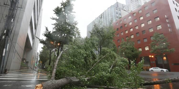 Nouveau revers pour l'économie japonaise, victime des désastres naturels