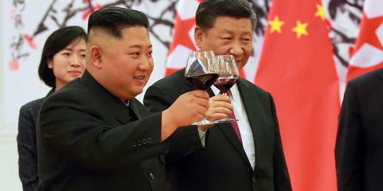 """A Pékin, Kim Jong Un vante """"l'unité"""" avec la Chine"""