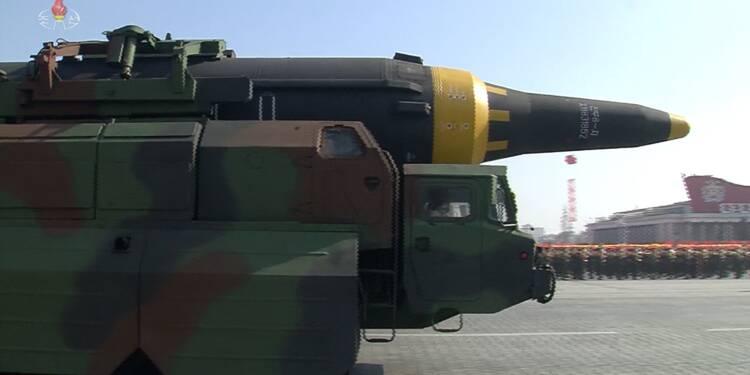 Pyongyang exhibe ses missiles intercontinentaux à la veille des JO