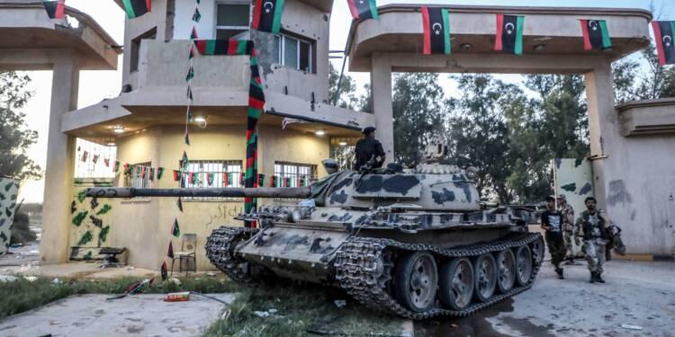 """Libye: l'ONU réclame un cessez-le-feu pour éviter une """"bataille sanglante"""" à Tripoli"""