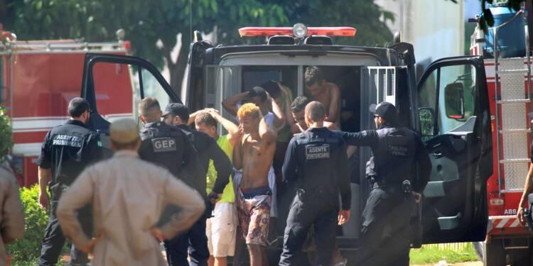 Une centaine de prisonniers en fuite après une mutinerie au Brésil