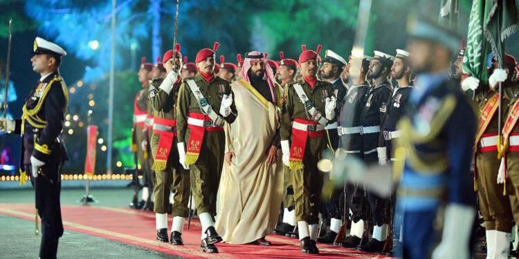 Le Pakistan honore l'Arabie, qui plaide pour la désescalade avec l'Inde