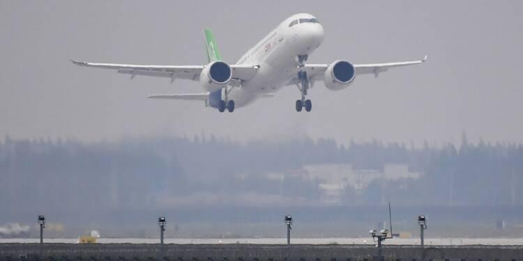 Premier vol réussi pour le C919, le rival chinois d'Airbus et Boeing