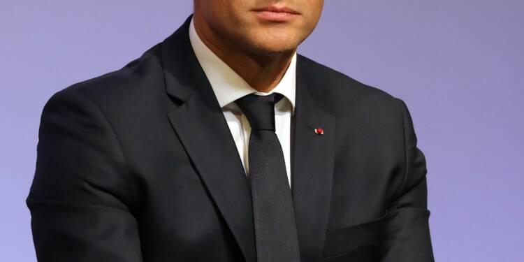 """""""Bordel"""": une pluie de critiques s'abat sur Macron"""