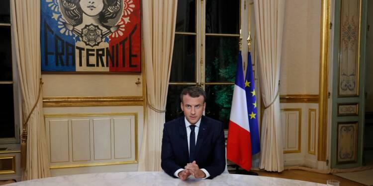"""Macron: tous """"les étrangers en situation irrégulière"""" qui commettent un délit """"seront expulsés"""""""