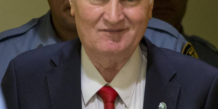 En Serbie, les hommes de Milosevic sont toujours là