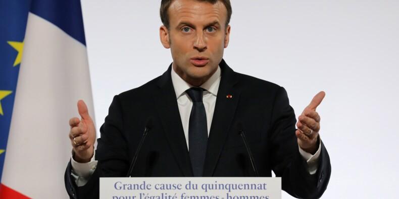 Macron s'engage contre les violences faites aux femmes, qui se mobilisent