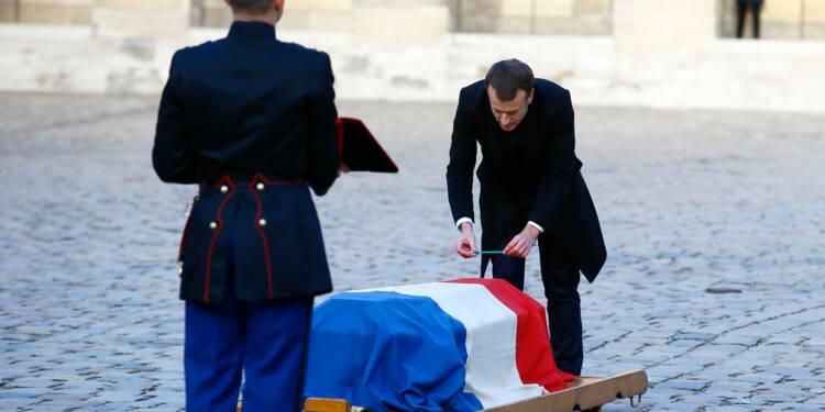 Dernier hommage de la France à Jean d'Ormesson, avant le salut à Johnny