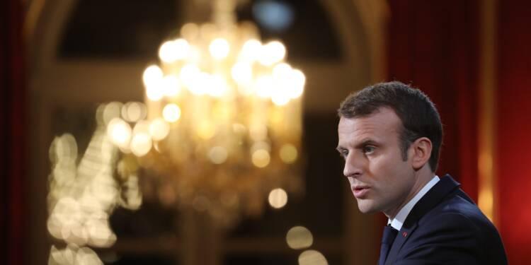 """""""Fake news"""" sur internet: Macron annonce une loi"""