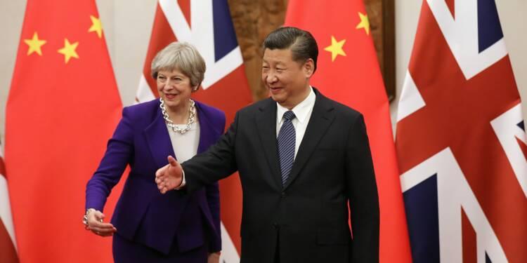 Theresa May poursuit en Chine son opération séduction pour l'après-Brexit