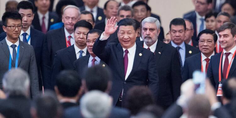 """La Chine fait le pari risqué d'un """"empereur Xi"""" présidentiable à vie"""