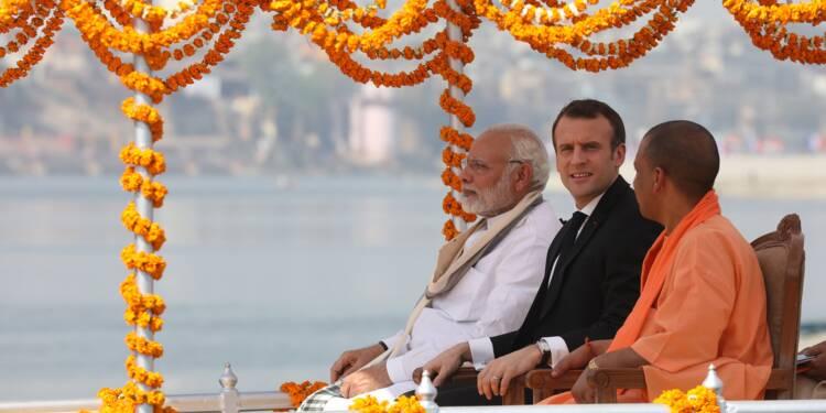 Macron achève sur le Gange son voyage en Inde
