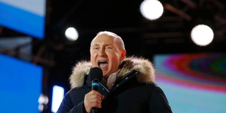 Poutine pébliscité par les Russes et conforté face aux Occidentaux
