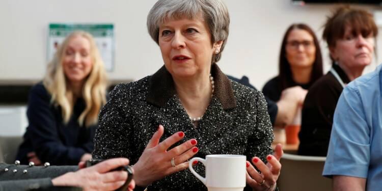 A un an du Brexit, Theresa May veut rassembler les Britanniques