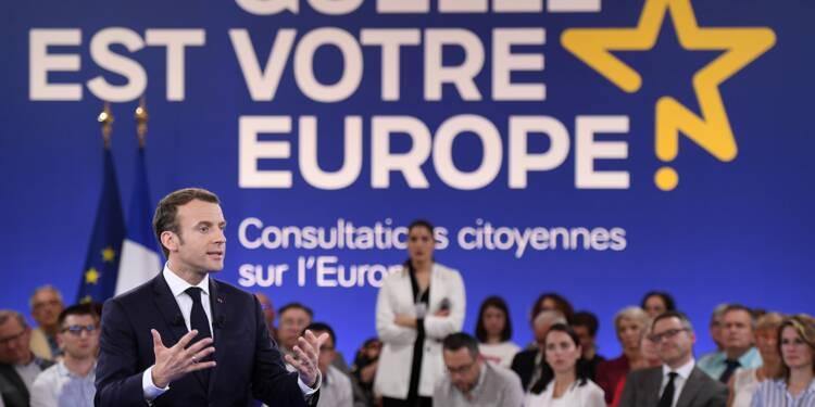 """Macron appelle l'Europe à résister aux tentations """"autoritaires"""""""
