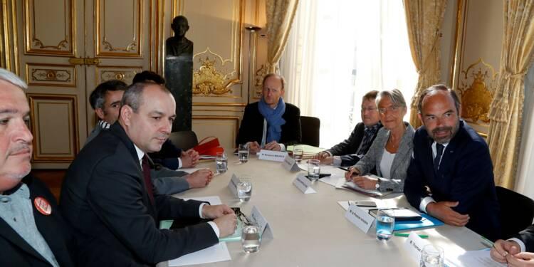 SNCF: Philippe reprend la main, les syndicats restent sur leur faim