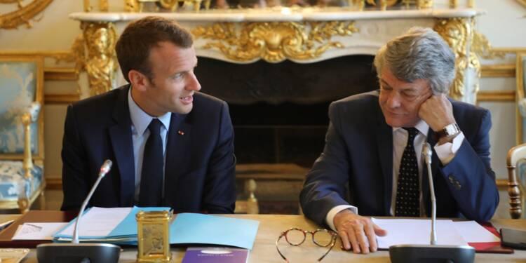 """Borloo dénonce la vision de la société """"dangereuse"""" de Macron"""
