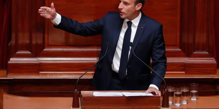 """Dépenses publiques: Macron promet des """"choix forts"""" pour serrer la vis"""