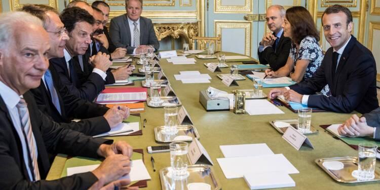 Syndicats et patronat restent vigilants face au changement de ton de Macron