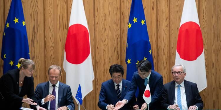 """Face à Trump, l'UE et le Japon signent un accord commercial """"historique"""""""