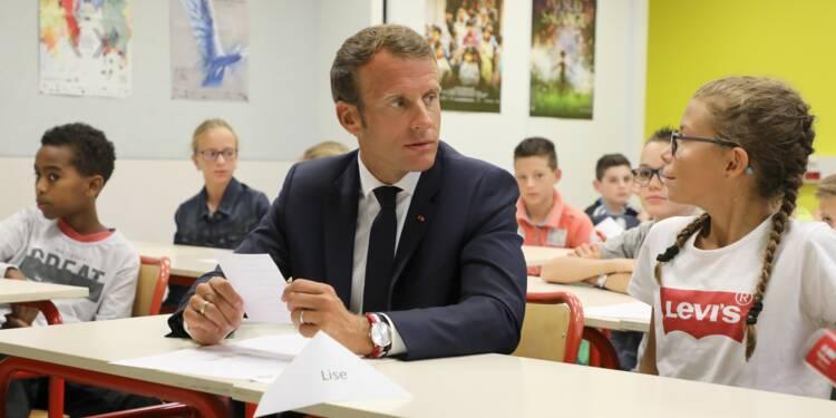 Macron a fait sa rentrée au collège, avant les devoirs du remaniement