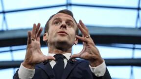 """Malgré les critiques, Macron va """"prendre le temps"""" pour remanier plusieurs ministères"""
