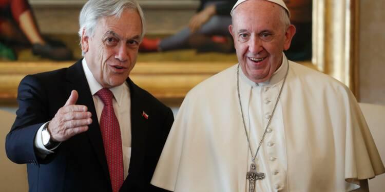 Agressions sexuelles: le pape reçoit Piñera et défroque deux évêques chiliens