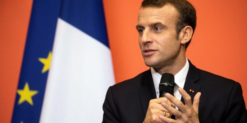 """Assurance chômage: Macron agite la menace du """"bonus-malus"""" sur les entreprises, colère du patronat"""