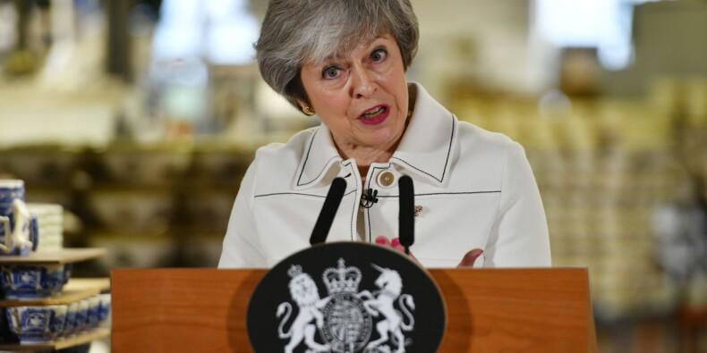 Theresa May bataille pour mettre en oeuvre le Brexit, et à la date prévue