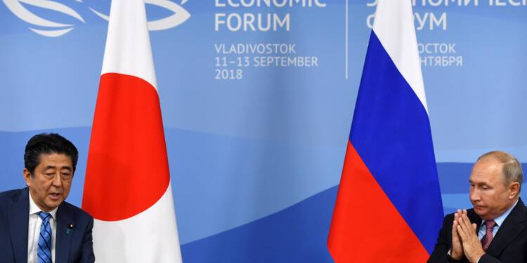 """Kouriles: Abe rencontre Poutine à Moscou pour des négociations """"pas faciles"""""""