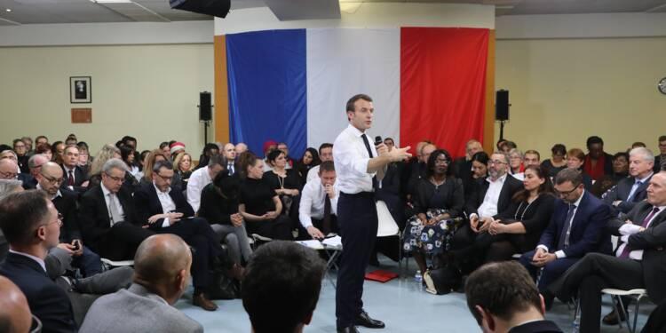 """Grand débat: Macron annonce un """"grand plan"""" pour les petites associations"""