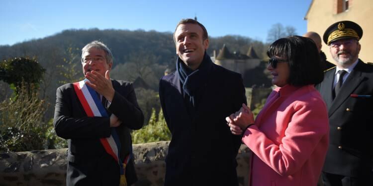 Macron dans un petit village de l'Indre à mi-chemin du grand débat