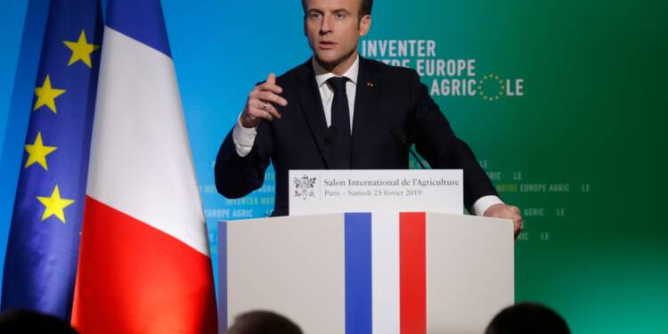 """Emmanuel Macron appelle à """"réinventer"""" la PAC au salon de l'agriculture"""