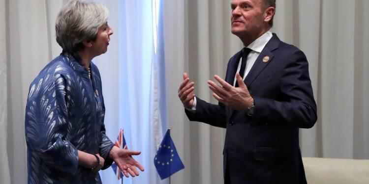 """Brexit: un délai supplémentaire serait une solution """"rationnelle"""", estime Tusk"""