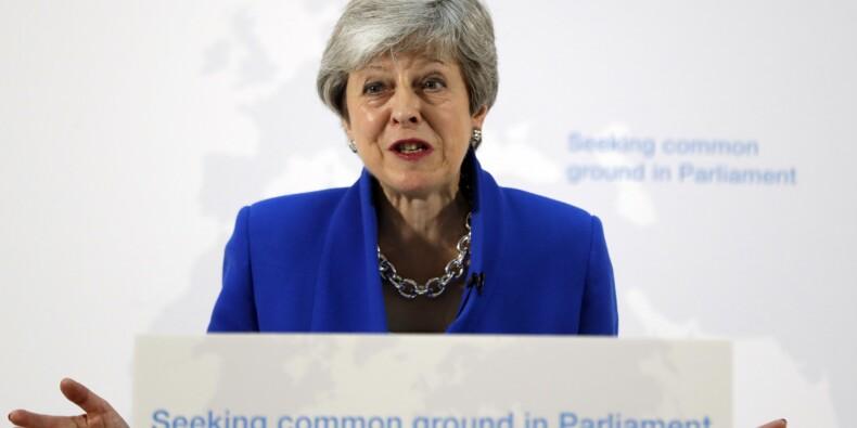 Brexit : Theresa May prête à organiser un nouveau référendum