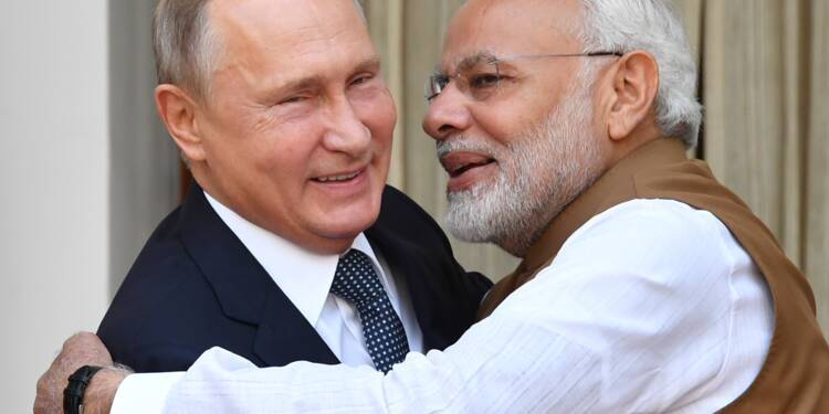 A Vladivostok, Poutine reçoit Modi pour discuter économie