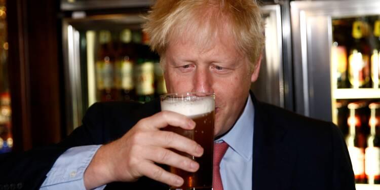 Les pubs Wetherspoon baissent le prix de la bière pour défendre le Brexit