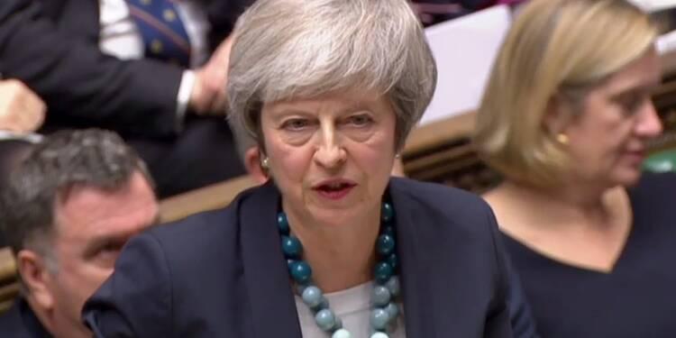 May contrainte de reporter le vote du Parlement sur l'accord de Brexit