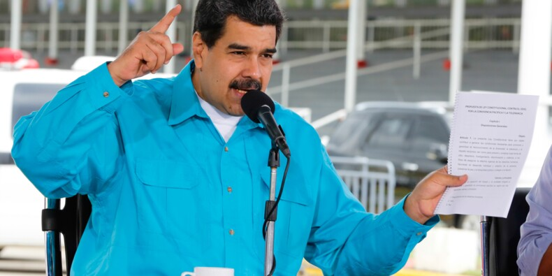 Le Venezuela, menacé de défaut de paiement, annonce une restructuration de sa dette