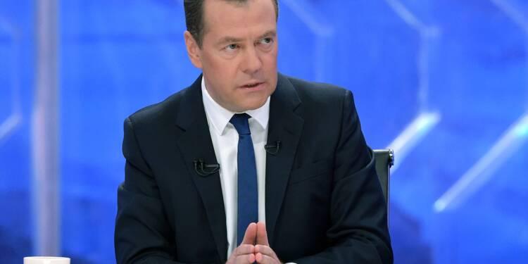 """La pauvreté, """"problème criant"""" de l'économie russe, estime Medvedev"""