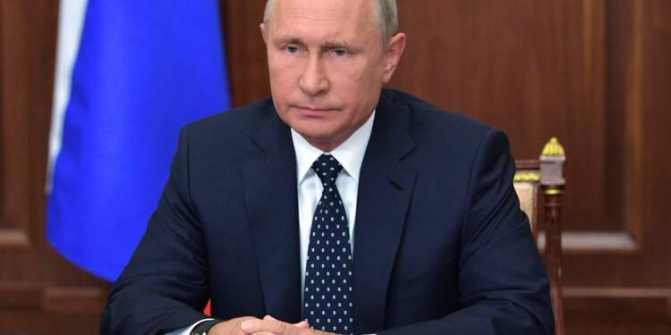 Poutine annonce un assouplissement de la très impopulaire réforme des retraites