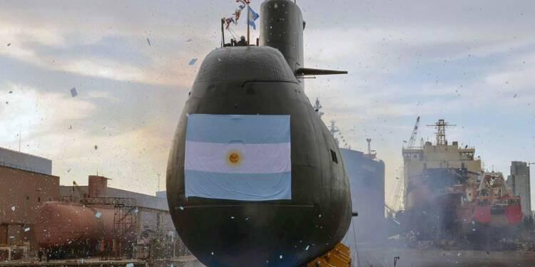Regain d'espoir dans la recherche du sous-marin argentin, des appels de détresse reçus