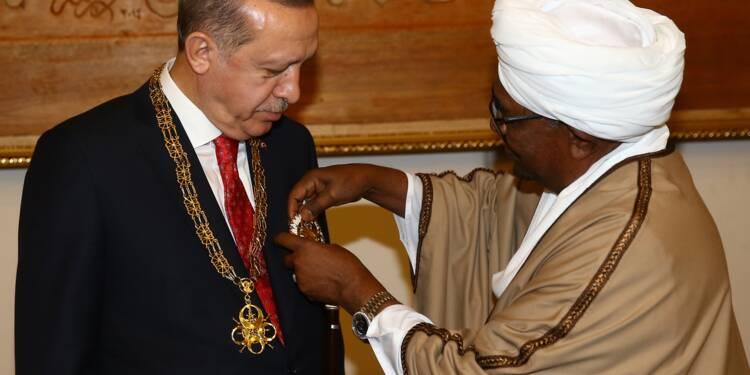 Première visite d'Erdogan au Soudan, signature d'accords commerciaux et militaires